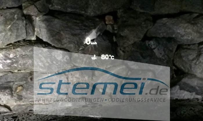 http://www.stemei.de/media/pages/coding/audi_a6_4g/Audi_A6_4G_HUD_%C3%96ltemperaturanzeige-aktiviert-VCP-Head-up-display-facelift-a6.JPG